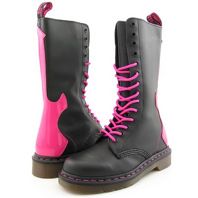 ACCESSORY STYLE: Doc Martens. I DESPERATELY WANT THESE!!!!