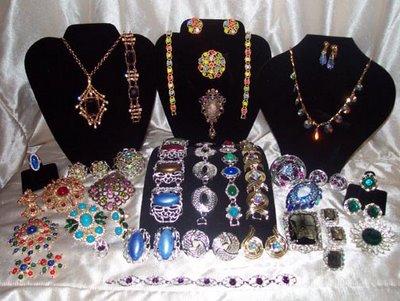 LUST HAVES: Vintage jewellery