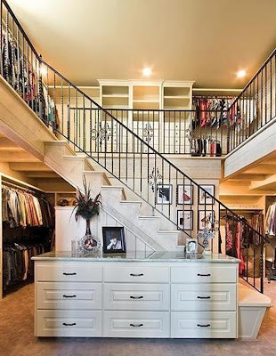 Apparently Paris Hilton Has A Jewellery Room Although It Looks Like Walk In Safe Where She Keeps All Her Bling