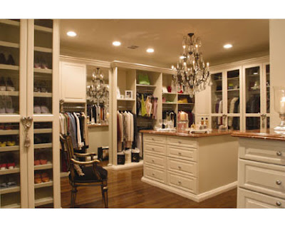 What Gal Wouldnt Want A Closet For All Of Their Clothes Shoes Bags Jewellery
