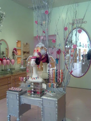 LUST HAVES: Tarina Tarantino's store. I want it!