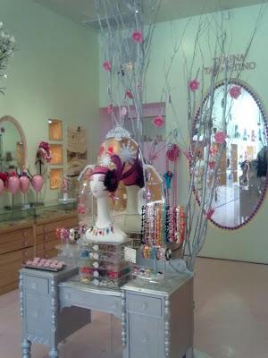 LUST HAVES: Tarina Tarantino's store. I want it!
