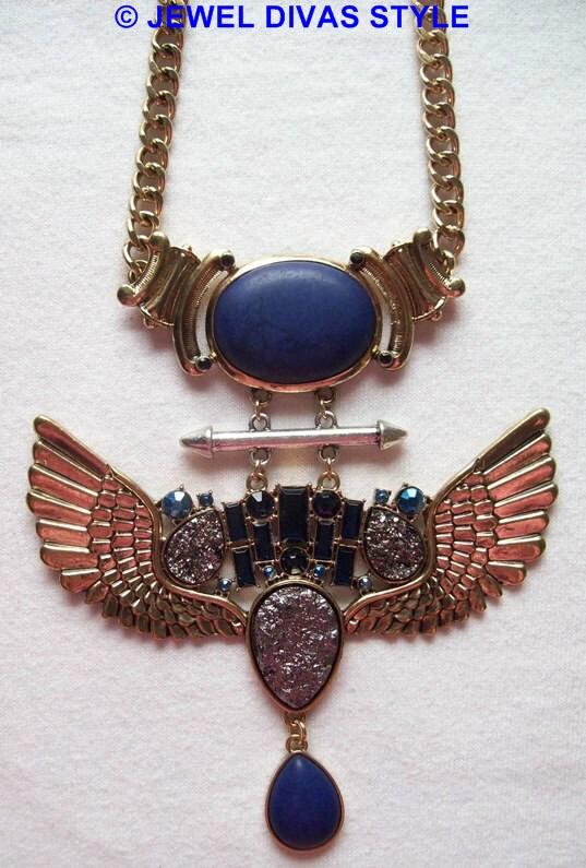 Lovisa wing crest necklace